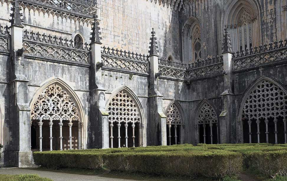Royal Cloister (Claustro Real)